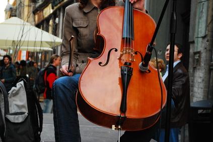 violonchelo en la calle